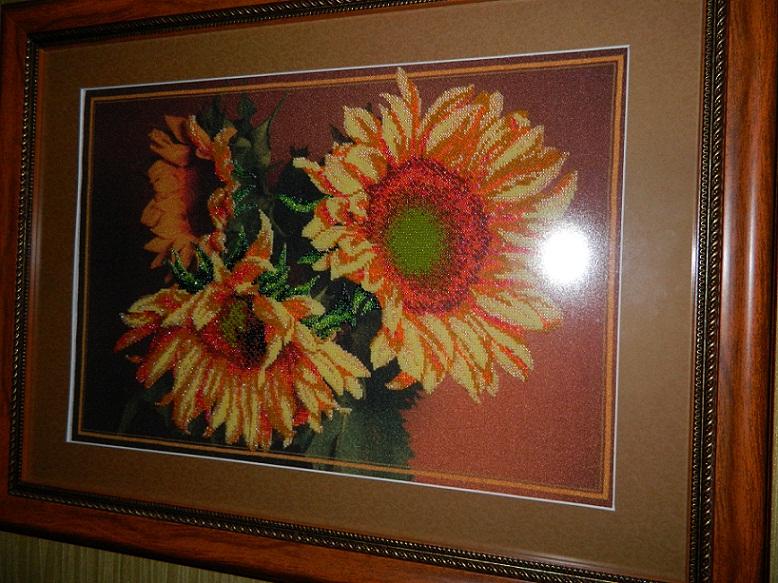 Картина вышитая бисером соняшники